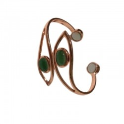 Copper bracelet, with a green stone Vitaest Baltic OÜ